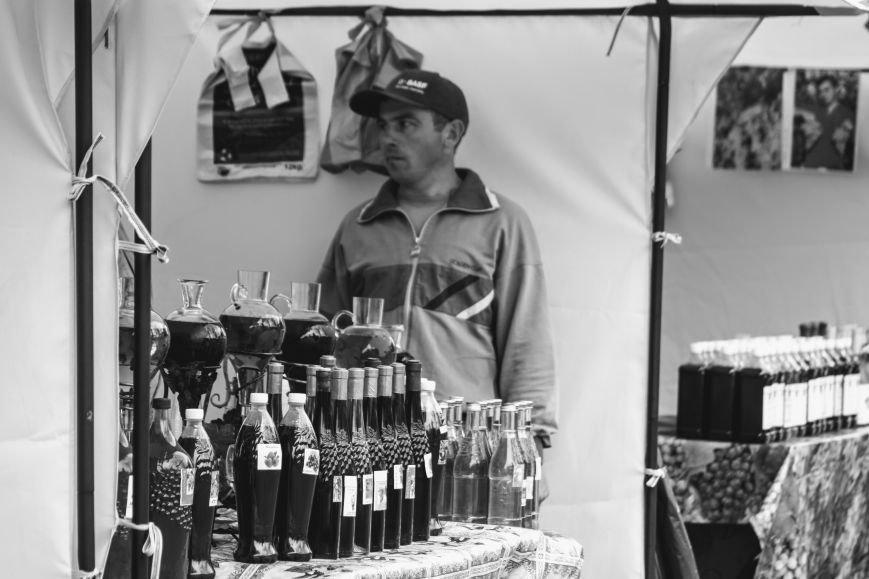 """""""Сонячний напій"""" в Ужгороді: ціни, затори та вино (ФОТОРЕПОРТАЖ), фото-11"""