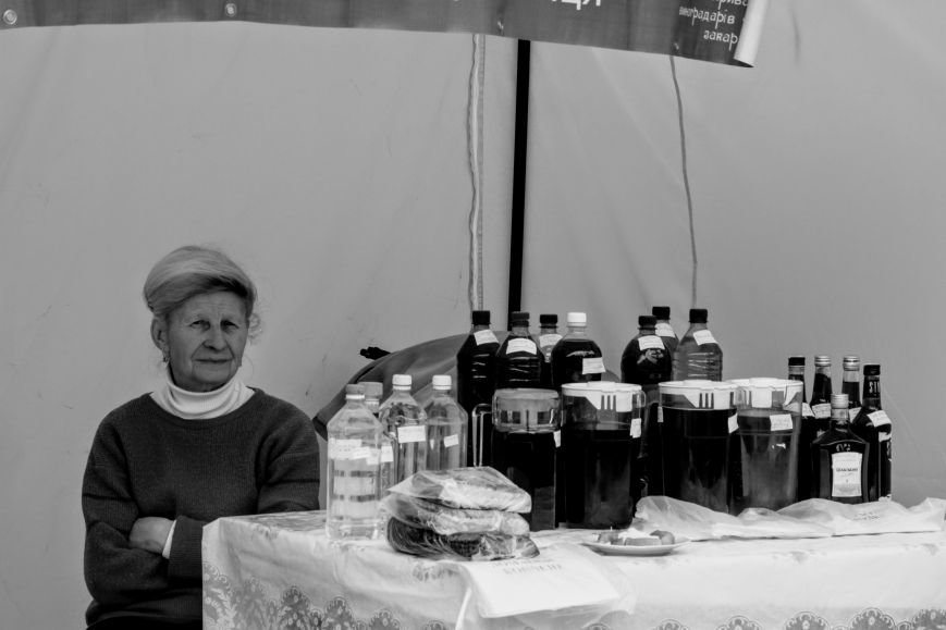 """""""Сонячний напій"""" в Ужгороді: ціни, затори та вино (ФОТОРЕПОРТАЖ), фото-19"""
