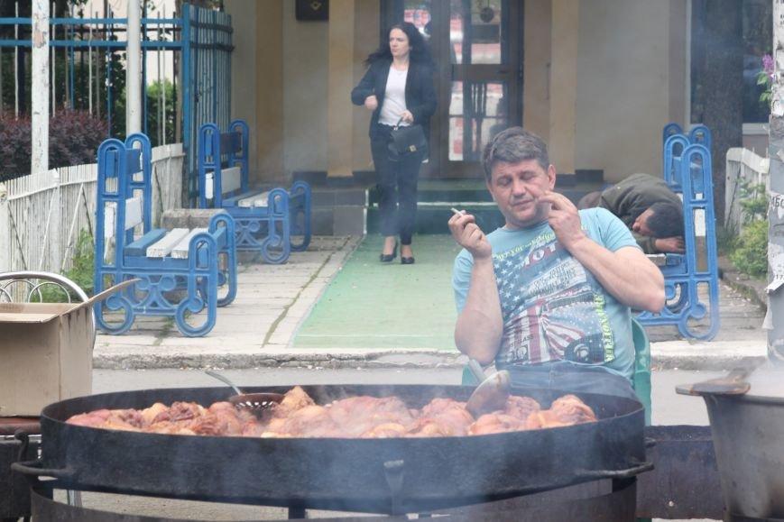 """""""Сонячний напій"""" в Ужгороді: ціни, затори та вино (ФОТОРЕПОРТАЖ), фото-1"""