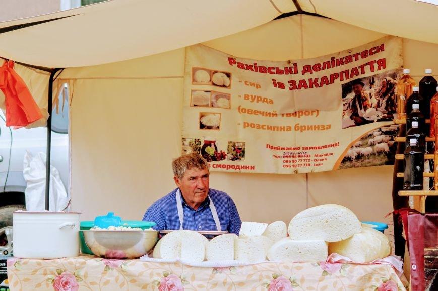 """""""Сонячний напій"""" в Ужгороді: ціни, затори та вино (ФОТОРЕПОРТАЖ), фото-9"""