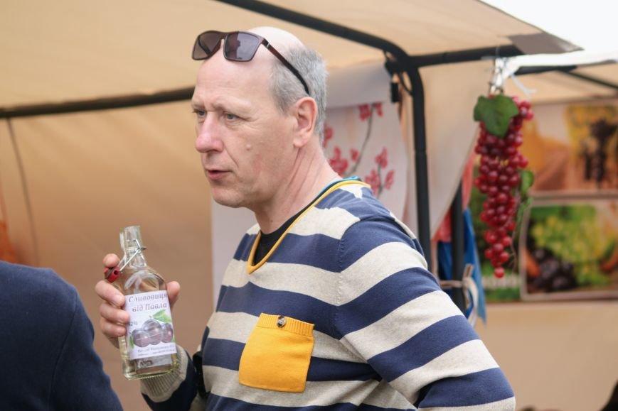 """""""Сонячний напій"""" в Ужгороді: ціни, затори та вино (ФОТОРЕПОРТАЖ), фото-4"""