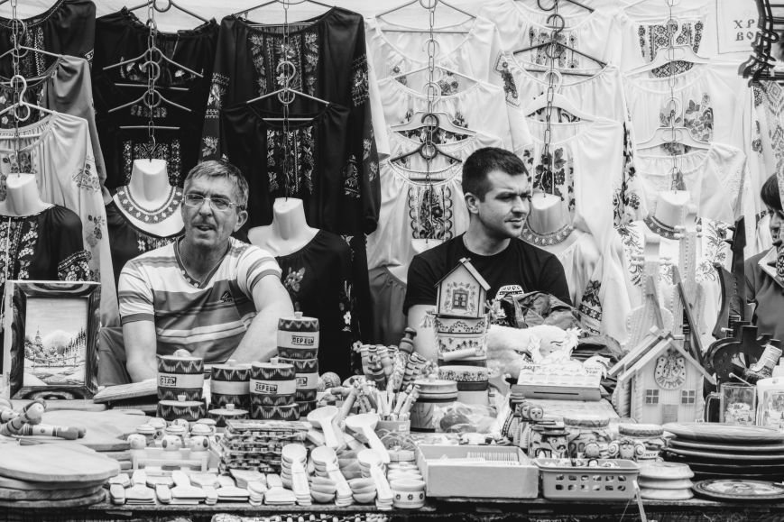 """""""Сонячний напій"""" в Ужгороді: ціни, затори та вино (ФОТОРЕПОРТАЖ), фото-23"""