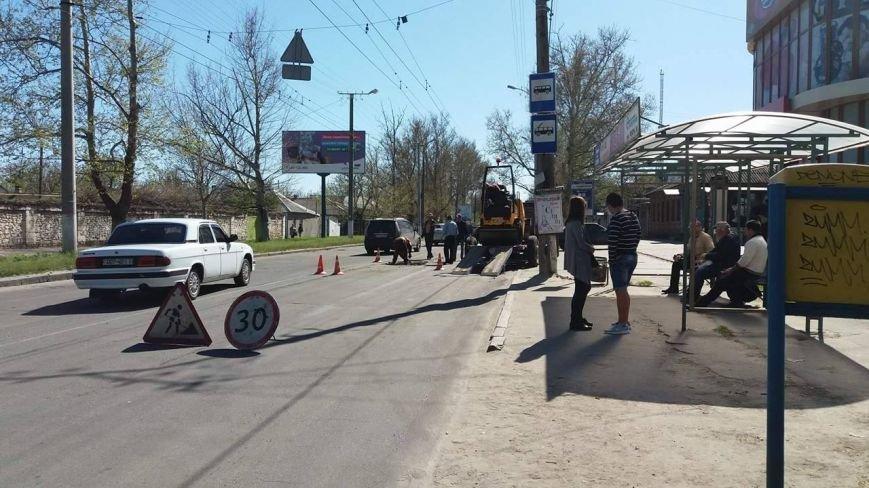 """Из-за ремонта дороги херсонские водители едут по """"встречке"""" (фото), фото-1"""