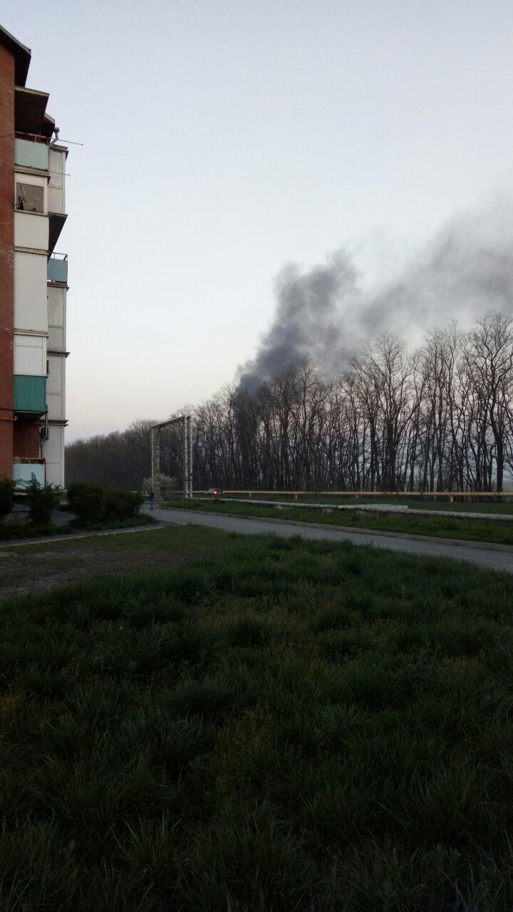 Жители Новошахтинска встревожились из-за столпа сизого дыма над городом, фото-1