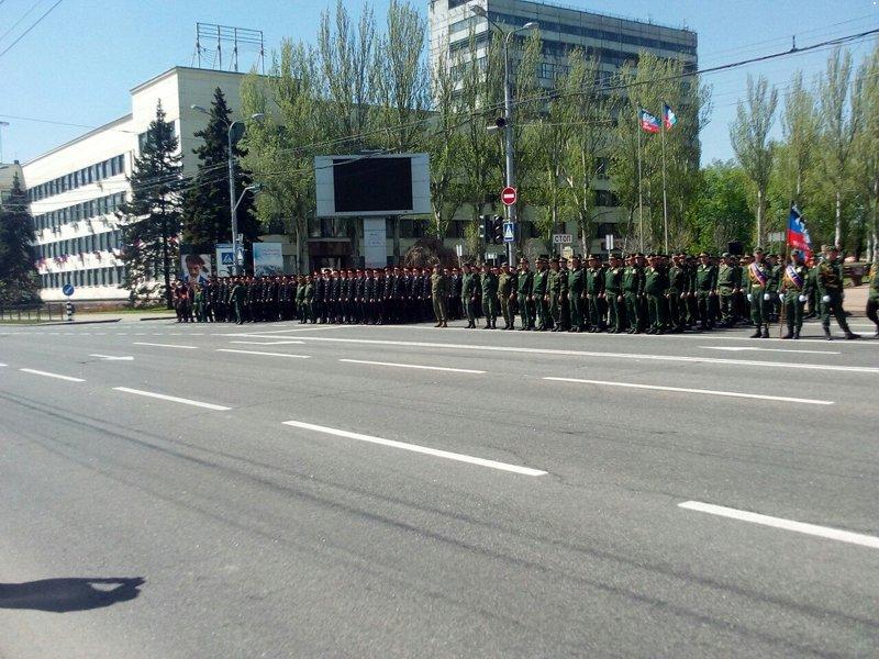 В Донецке прошла первая репетиция парада боевиков «ДНР» (ФОТО, ВИДЕО), фото-2