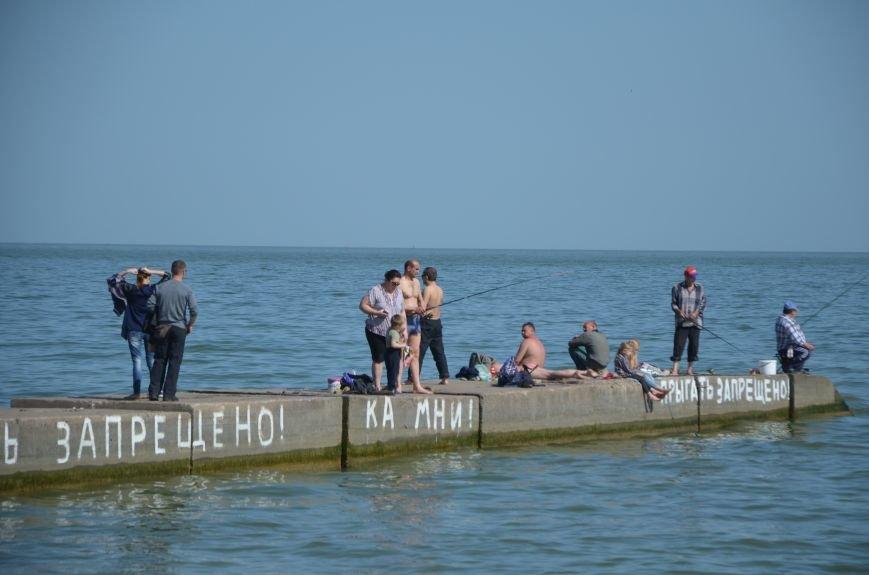 Мариупольцы преждевременно открыли пляжный сезон (ФОТО+ВИДЕО), фото-9