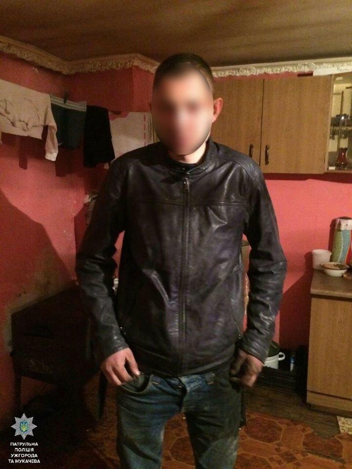 В Ужгороді на Гранітній серед ночі до будинку чоловіка вдерся невідомий: фото, фото-1