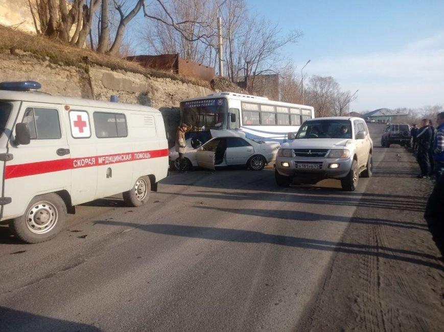 В Петропавловске иномарка влетела в рейсовый автобус – есть погибший, фото-1