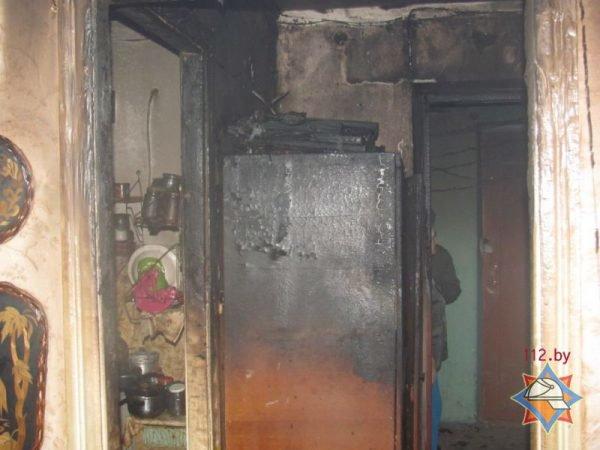 Пока женщина принимала ванную, в комнате начался пожар: из общежития в Шумилино эвакуированы 35 человек, из них 13 детей, фото-2