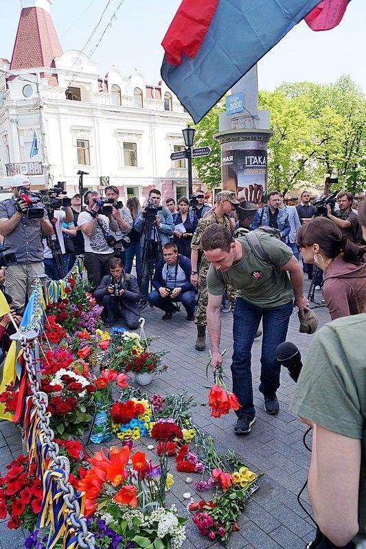 Патриоты почтили память первых погибших 2 мая в Одессе (ВИДЕО, ФОТО), фото-14