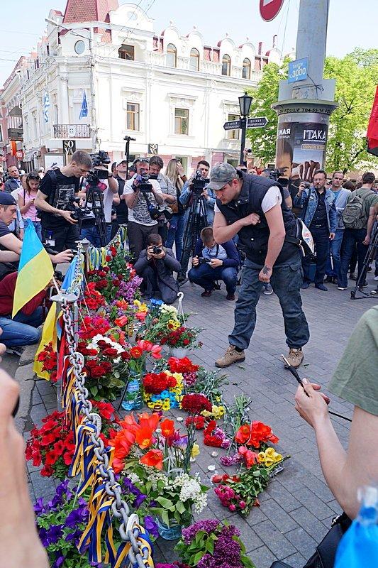 Патриоты почтили память первых погибших 2 мая в Одессе (ВИДЕО, ФОТО), фото-15