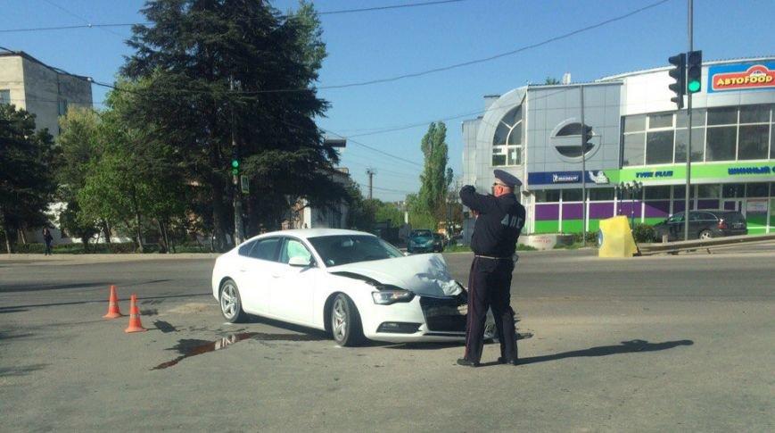 В Симферополе иномарка врезалась в маршрутку: есть пострадавшие (ФОТО), фото-3