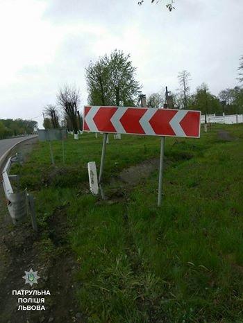 На автодорозі Ковель-Жовква нетверезий водій потрапив у ДТП і погрожував патрульним звільнити їх, фото-2