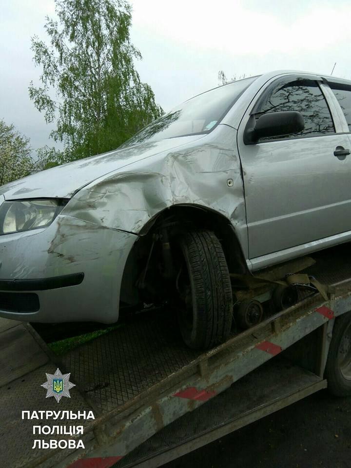 На автодорозі Ковель-Жовква нетверезий водій потрапив у ДТП і погрожував патрульним звільнити їх, фото-1