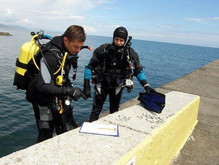 В Крыму пляжи очищают от ржавого железа и битого стекла (ФОТО), фото-4