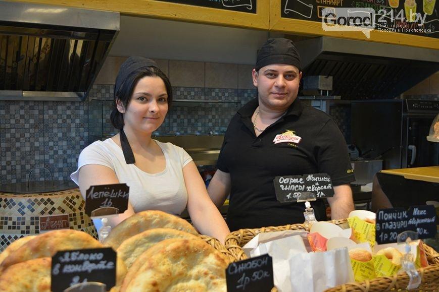 Лепешка из печи тандыр по рублю, а шаурма от повара из Сирии: в Полоцке открылось кафе быстрого питания «Восточный дворик», фото-3
