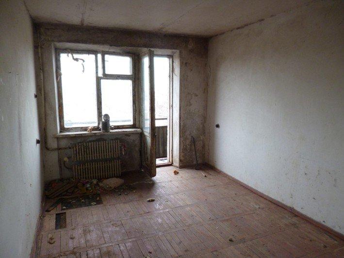 В Никополе чернобыльцу власть вручила заброшенную квартиру, фото-4