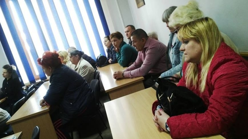 Працівники ужгородської поліклініки просять виконком не закривати психдиспансер: фото, фото-1