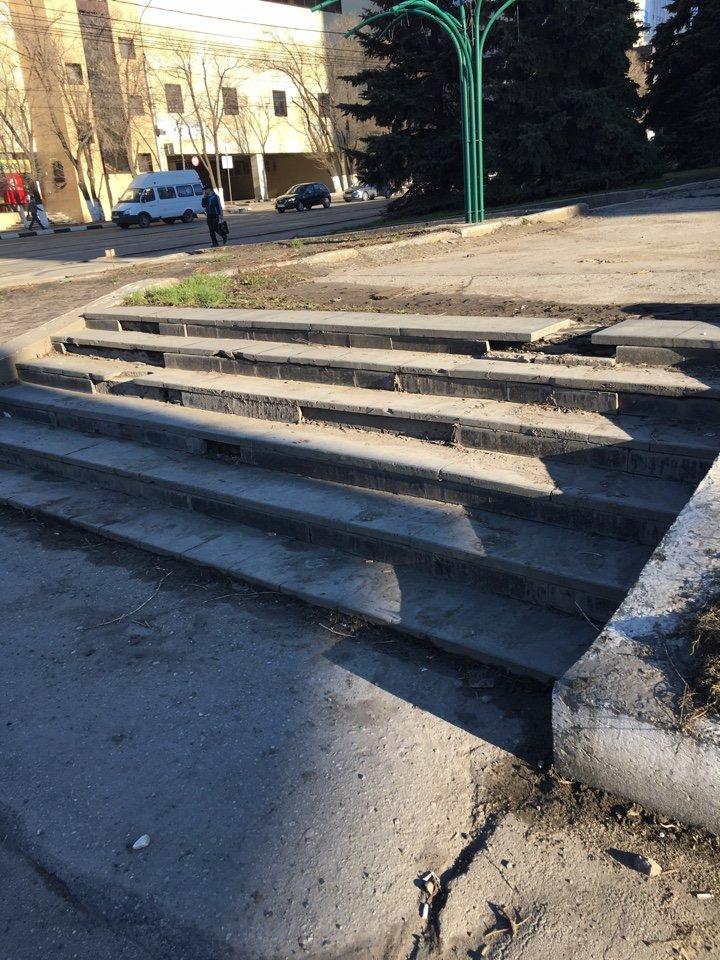 На месте возможного митинга в Ульяновске царит разруха. ФОТО, фото-4