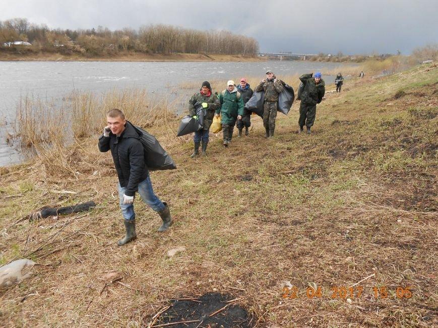 Волонтеры рыболовного клуба уберут от мусора берег Двины в Новополоцке, фото-2
