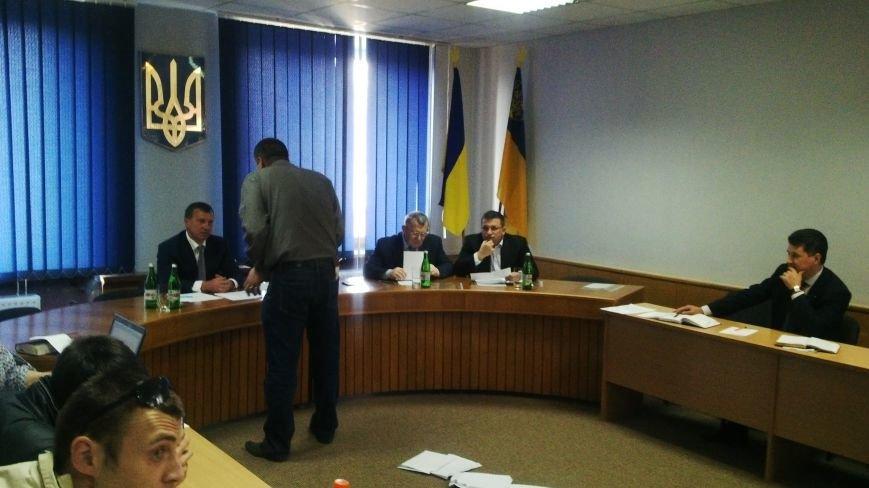 Учасники АТО накричали на Андріїва через землю, зірвавши засідання виконкому: фото, відео, фото-1