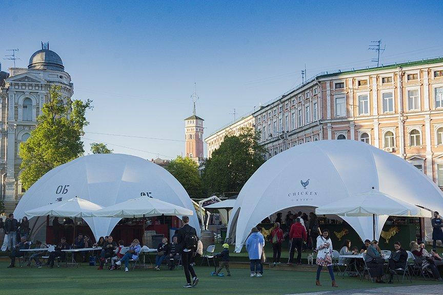 """Фан-зона """"Евровидения"""" на Софии: большая сцена, фуд-корты и арт-инсталляции (ФОТО), фото-11"""