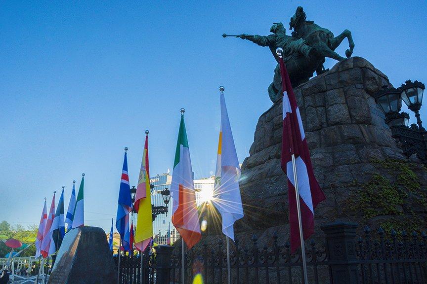 """Фан-зона """"Евровидения"""" на Софии: большая сцена, фуд-корты и арт-инсталляции (ФОТО), фото-7"""