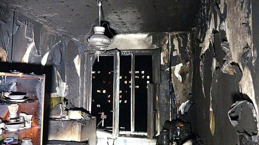 В пожаре на Восточном угарным газом отравились пять человек (Дополнено,ФОТО), фото-5