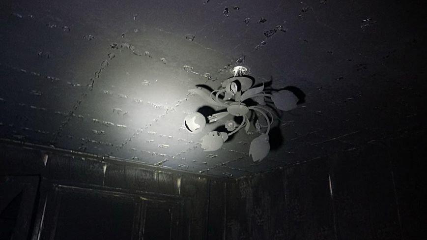 В пожаре на Восточном угарным газом отравились пять человек (Дополнено,ФОТО), фото-7