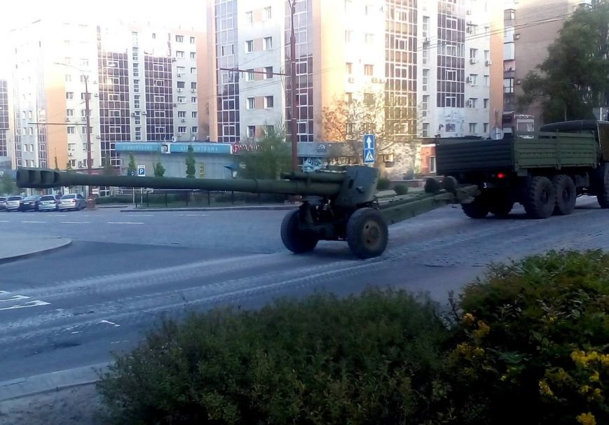 Боевики «ДНР» провели в Донецке репетицию парада с участием военной техники (ФОТО, ВИДЕО), фото-3