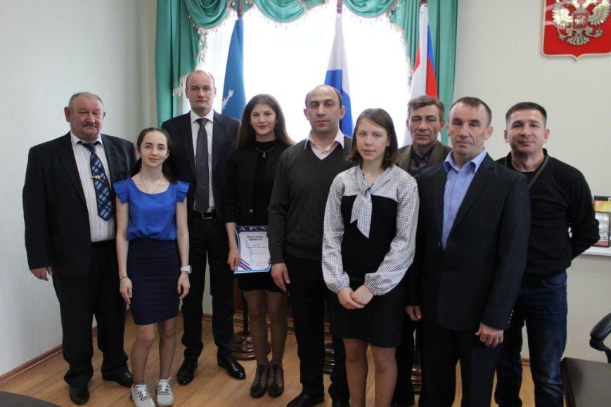 Министр спорта и молодежной политики Сахалинской области поздравил спортсменок с победой, фото-1
