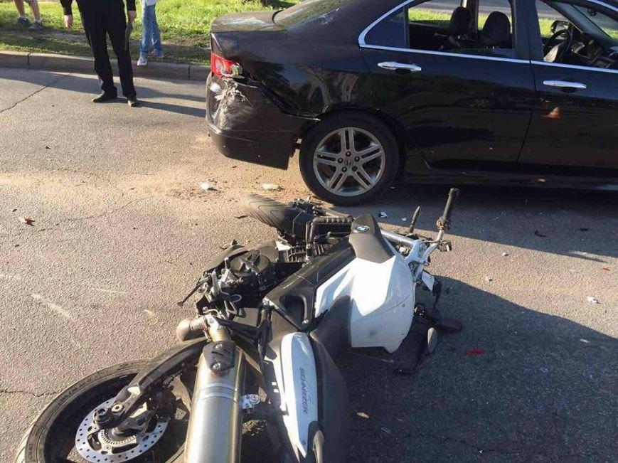 В Харькове мотоциклист на большой скорости врезался в машину (ФОТО), фото-2