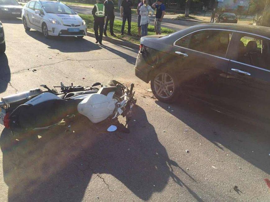 В Харькове мотоциклист на большой скорости врезался в машину (ФОТО), фото-3