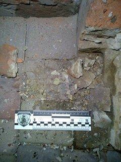 На Харьковщине во дворе жилого дома неизвестные взорвали две боевые гранаты, фото-2