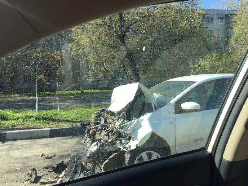 Причиной пробки в Ульяновске стали две аварии. ФОТО, фото-1