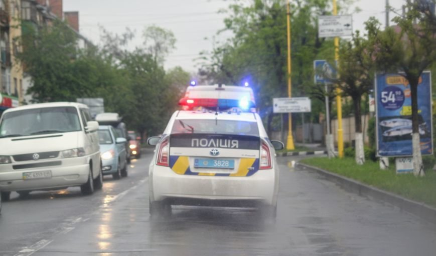 Секунди ціною у життя, або як ужгородські водії пропускають «швидку»: фоторепортаж, фото-6