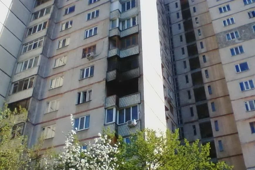На Героев Труда спасатели вытащили из пожара пенсионерку (ФОТО), фото-2