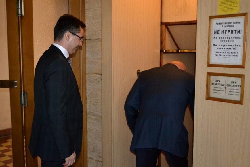 Як Москаль з мером Дебрецена у ліфті Закарпатської ОДА каталися: фото, фото-2