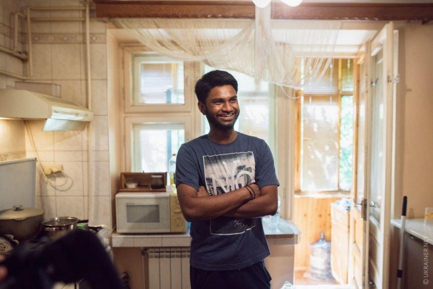 """Індуси розповіли """"Ukrainer"""" про спокійний Ужгород, місцеву шаурму та родичів-ромів: фото, відео, фото-3"""
