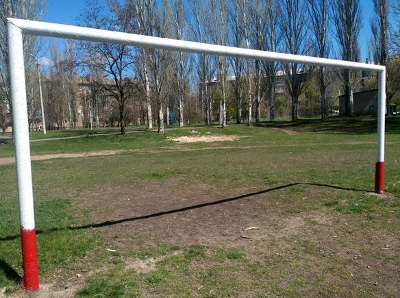Во время Всеукраинского месячника «Спорт для всех – общая забота» в Бахмуте отремонтировали полсотни спортплощадок, фото-1