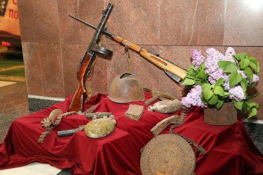 В Симферополе открылась фотовыставка «Помни их подвиг» (ФОТО), фото-2