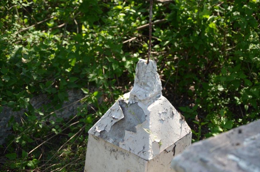 В Мариуполе разрушили памятник проукраинскому активисту Николаю Фененко, который был связан с ОУН (ФОТО), фото-8