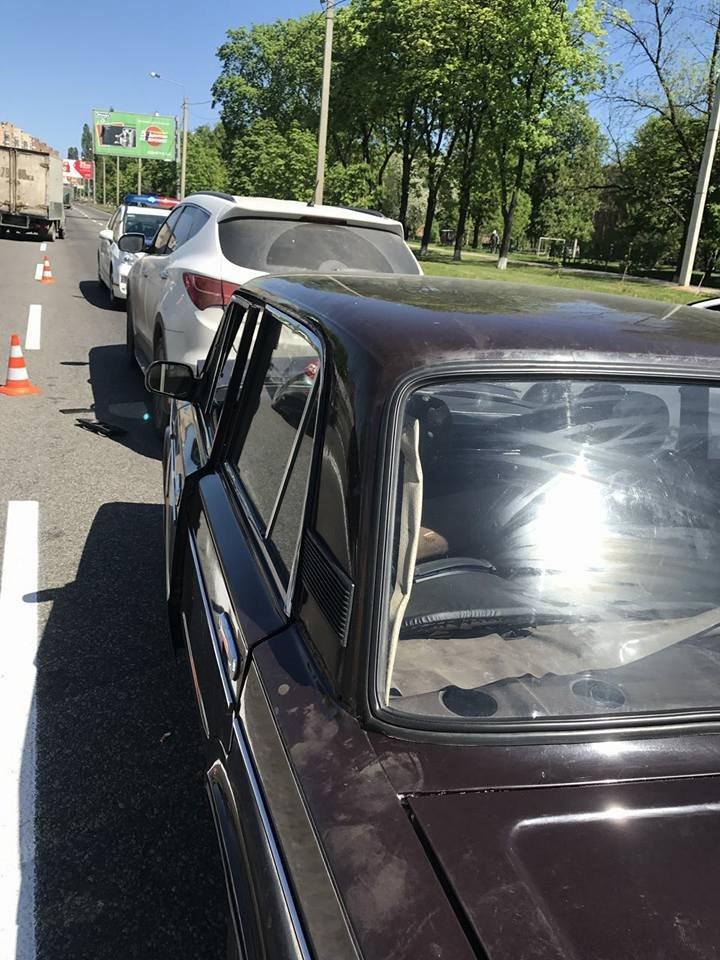 На Полтавском Шляхе - столкновение машин. Есть пострадавшие (ФОТО), фото-1