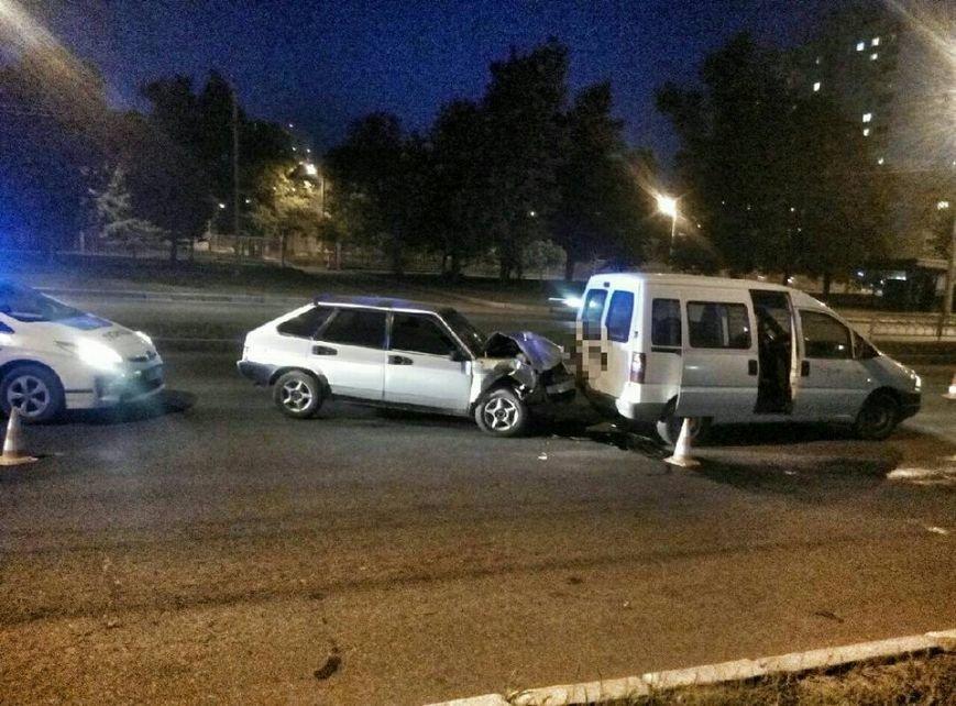 На проспекте Льва Ландау произошла авария: у водителя отказали тормоза (ФОТО), фото-3
