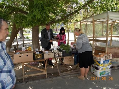 В Херсоне городская власть показательно борется со стихийной торговлей (фото), фото-1
