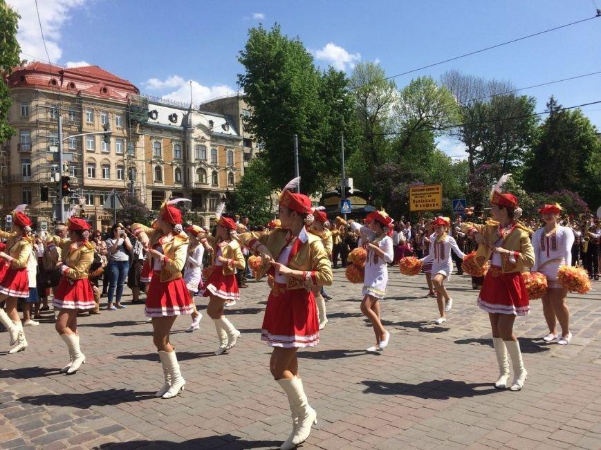 Львовом пройшов урочистий парад: фоторепортаж та відео з місця події, фото-1