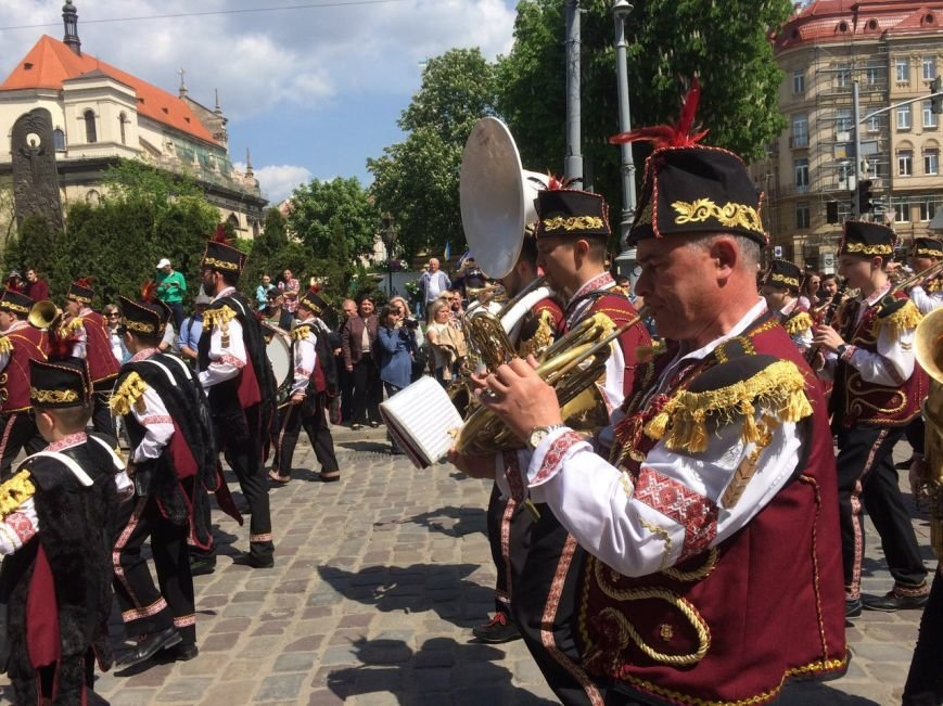 Львовом пройшов урочистий парад: фоторепортаж та відео з місця події, фото-2