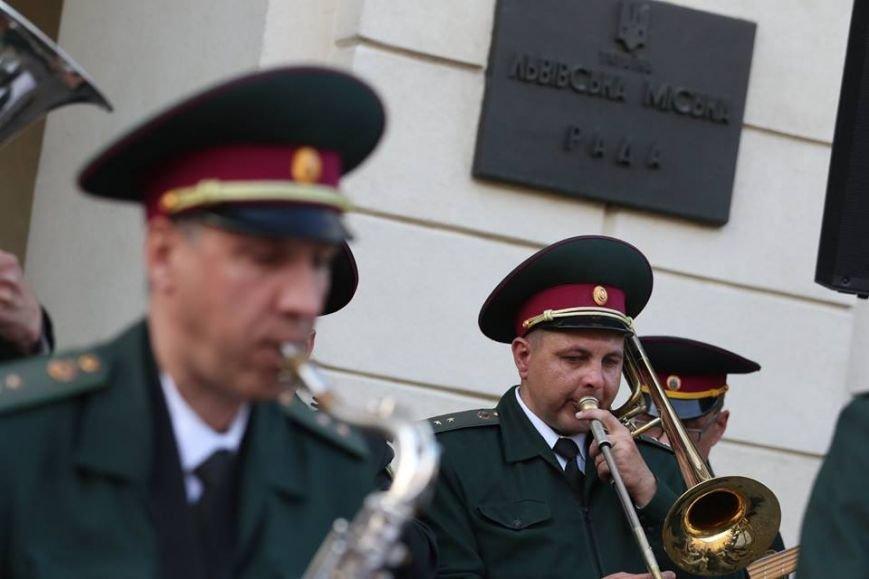 Як на площі Ринок відбувався концерт духового оркестру Національної Гвардії України: фоторепортаж, фото-1