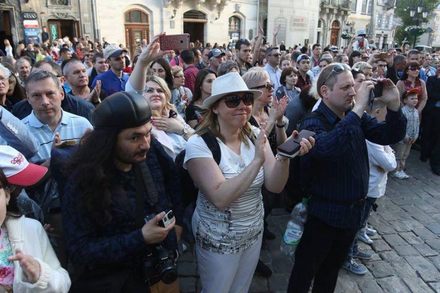 Як на площі Ринок відбувався концерт духового оркестру Національної Гвардії України: фоторепортаж, фото-7