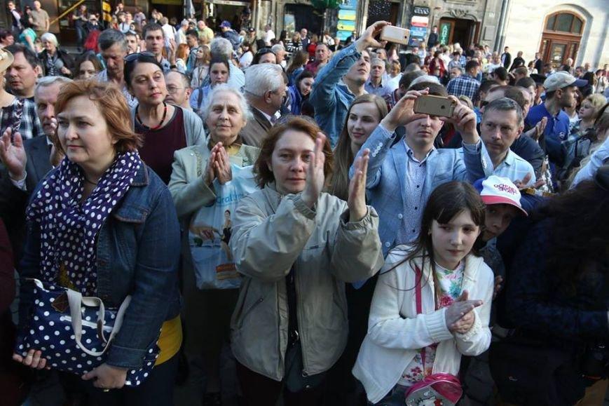 Як на площі Ринок відбувався концерт духового оркестру Національної Гвардії України: фоторепортаж, фото-11